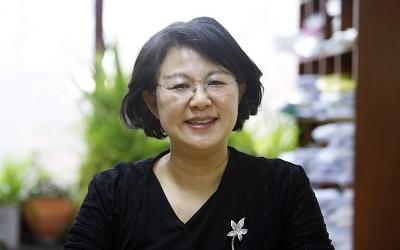 Professor YoungJu Choie Publishes Authoritative Books on Mathematics